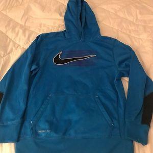 Nike therma fit sweatshirt kid size large